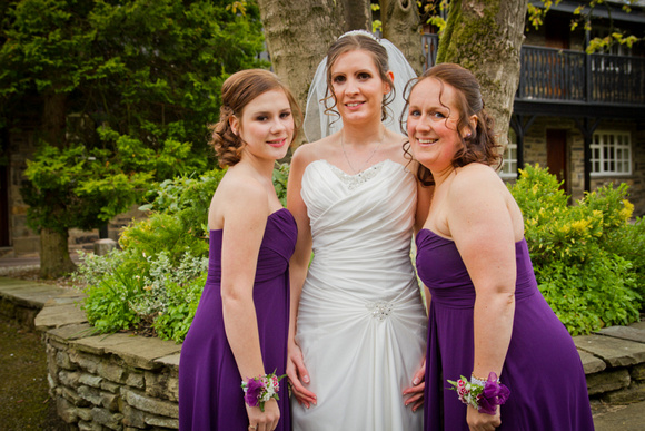 Wedding group photograph. Bride and bridesmaids